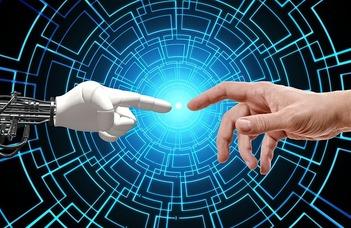 Felkar protézisek, beszédkommunikáció és intelligens interakciók
